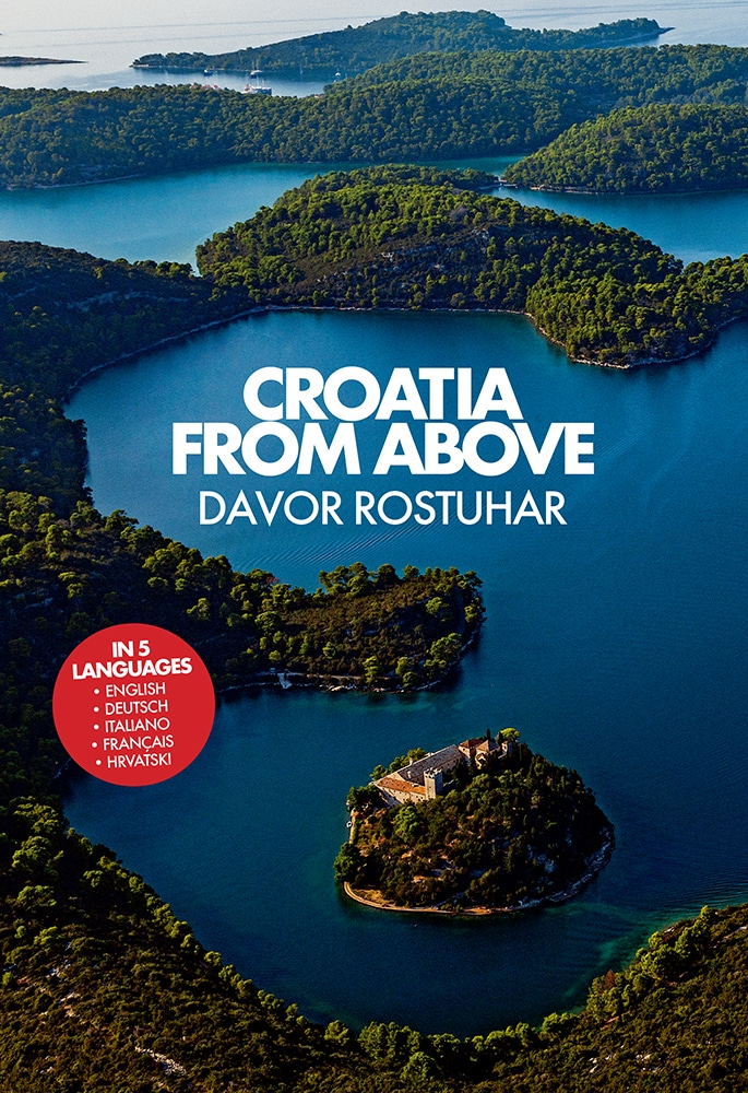 Croatia from above (mala monografija)